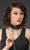 Halsband mit Schnürung